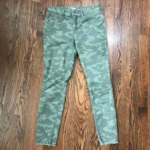 Old Navy Rockstar Super Skinny Green Camo Jeans 4